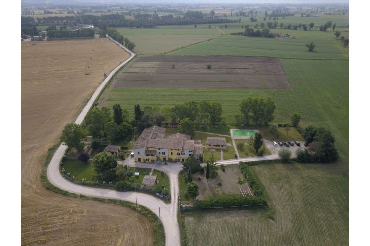 COUNTRY HOUSE  IL MERLO